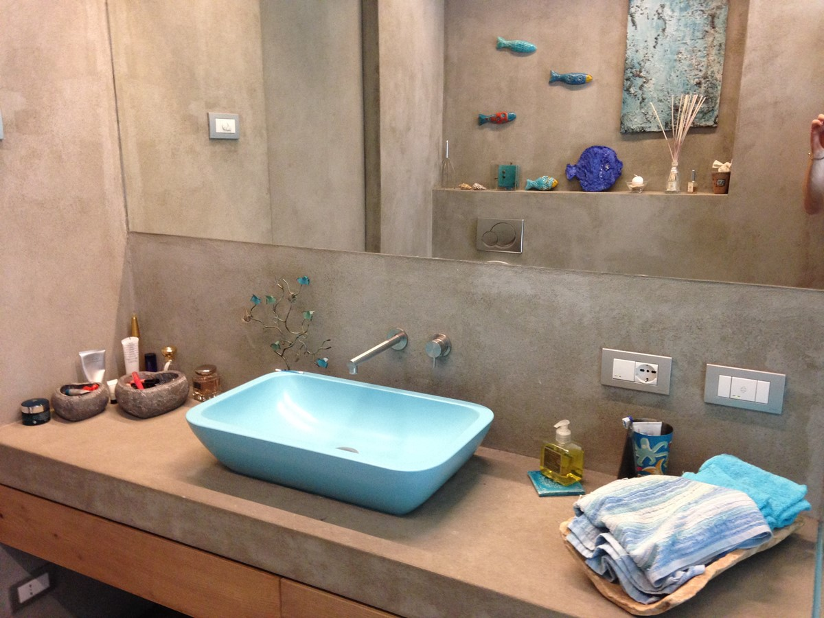 Bagni con rivestimenti in resina pavimenti in resina for Bagni rivestimenti